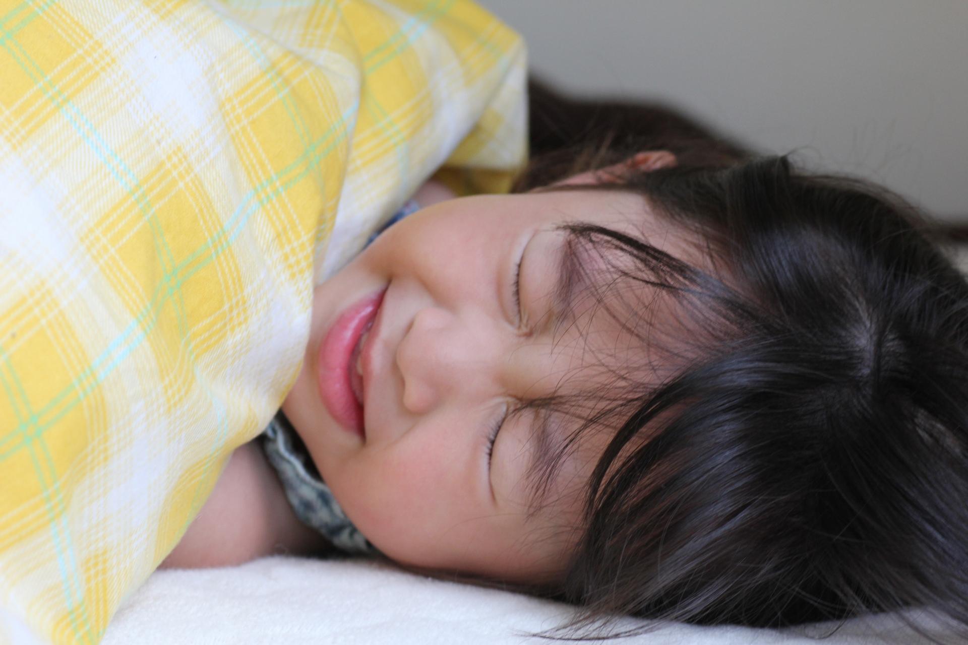 子供の病気で会社を長期休むと同僚から「休み過ぎ!」これってパワハラ?