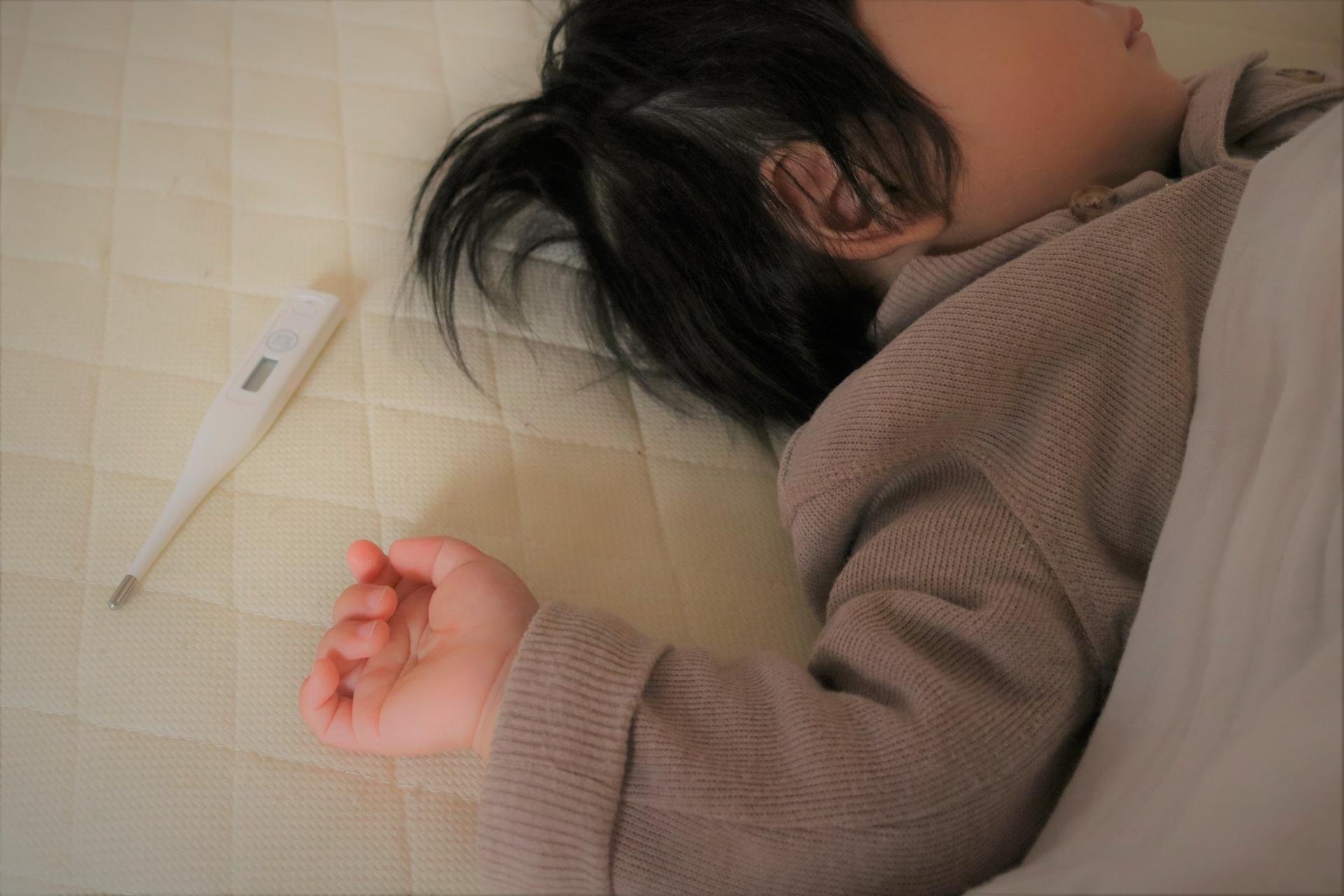 子供がインフルエンザで高熱も休まれては困ると言われ子連れで出勤